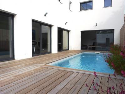 maison avec piscine teste de buch