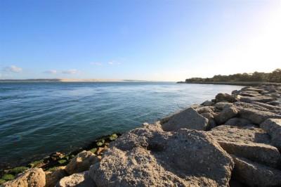 cherche villa de prestige les pieds dans l'eau pointe Cap Ferret