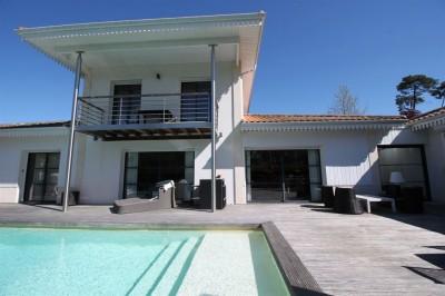 belle villa avec piscine a vendre pyla sur mer
