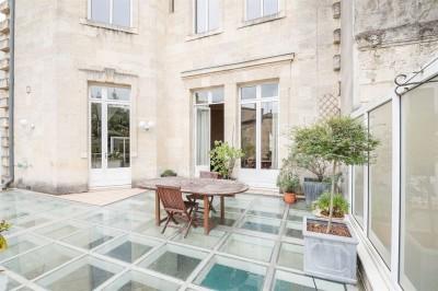 Hôtel particulier à vendre 5 chambres triangle d'or de Bordeaux
