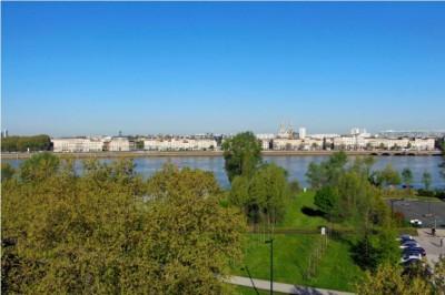 Appartement T4 neuf à vendre avec vue dégagée sur la Garonne Bordeaux
