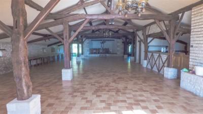 grande propriété familiale à la vente avec batiment à rénover Dordogne 24