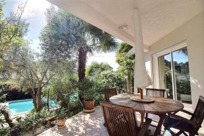 Villa d'architecte à vendre à arcachon entre pereire et moulleau dans le quartier des abatilles