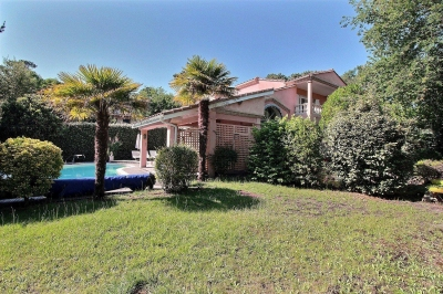 Villa familiale 5 chambres avec grand jardin et piscine chauffée a vendre pyla sur mer