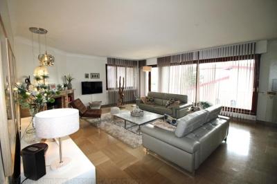 Grande villa familiale à vendre à Bordeaux Cauderan avec 5 chambres et une piscine